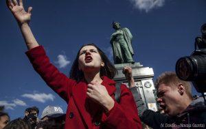Proteste in piazza: non è facile essere giovani
