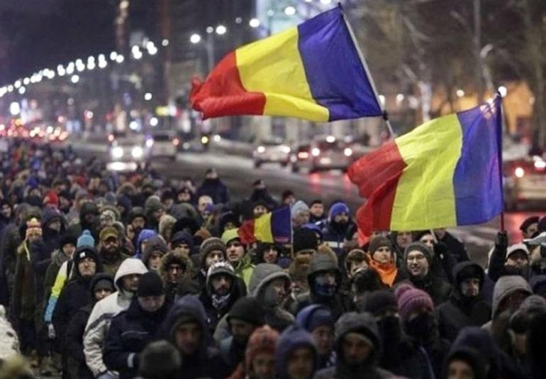 Bucarest in piazza… È la post politica