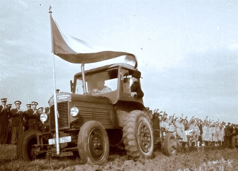 Il contadino, «nemico feroce del socialismo»