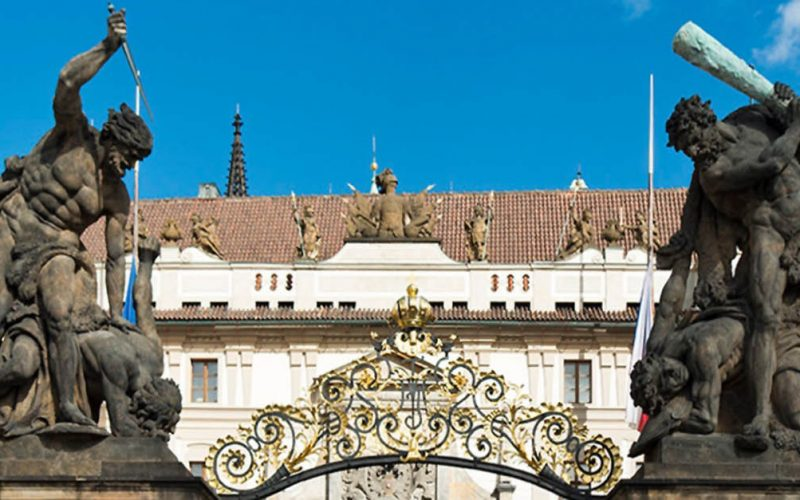 Praga: il governo vuol tassare i risarcimenti alle Chiese