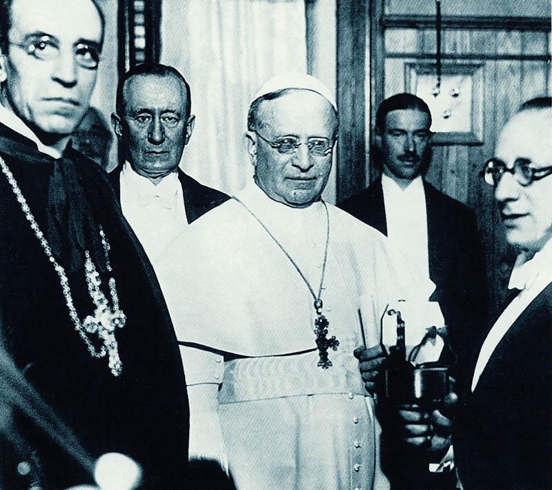 Pio XI, Marconi e Pacelli alla Radio
