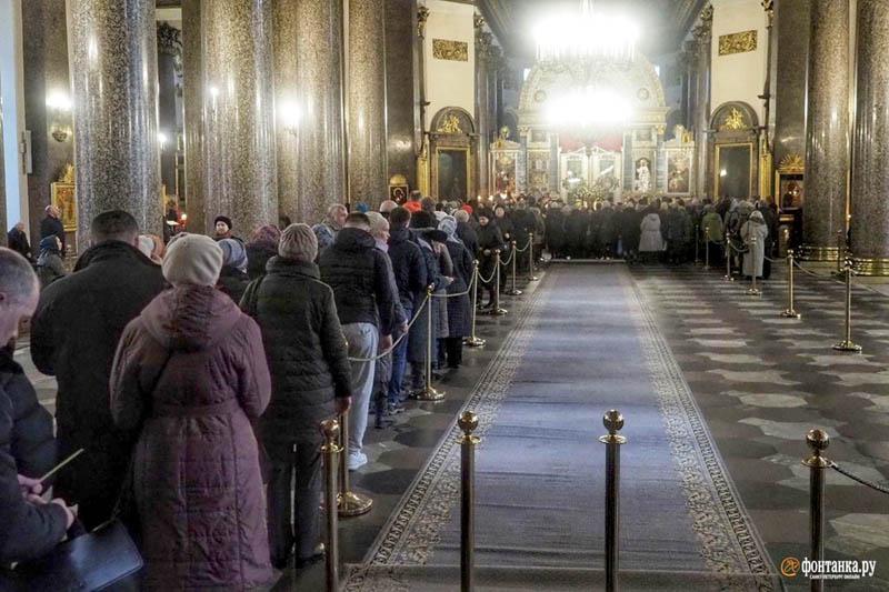 fedeli reliquie san Giovanni covid i cristiani si interrogano